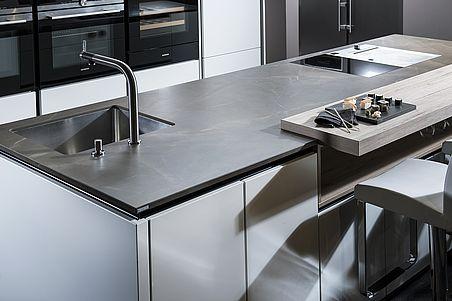 Strasser-Steine-Kücheninsel