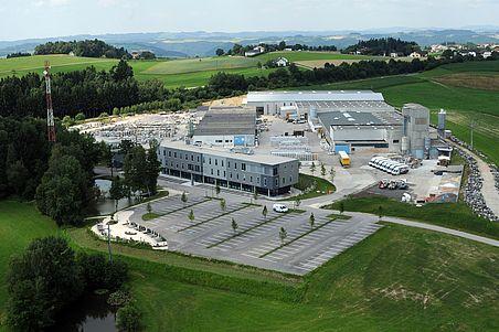 Strasser-Steine-Flugaufnahme-Werk