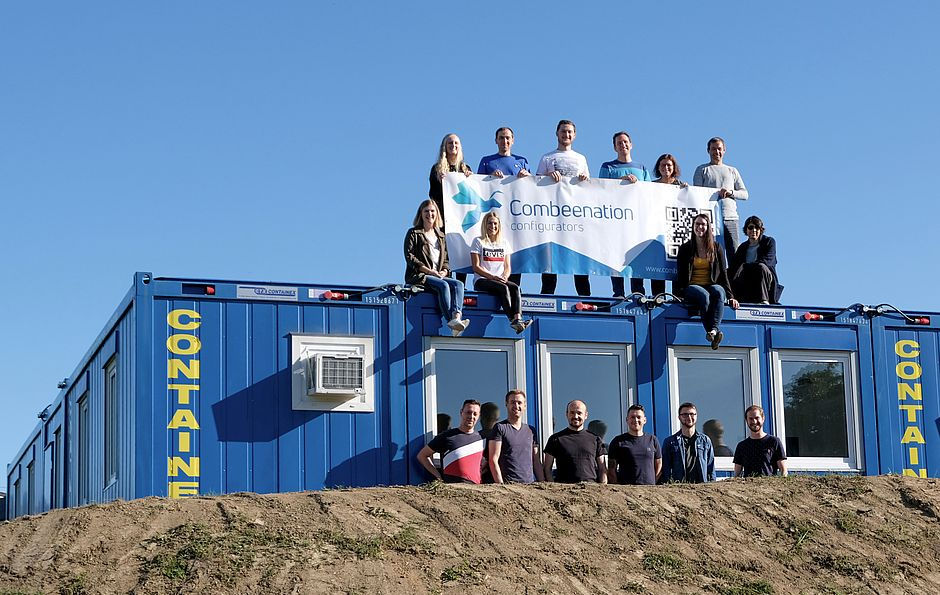 Combeenation-Team-Container
